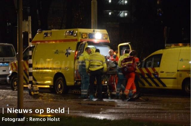 Jongen (17) zwaargewond na ongeval voor de brandweerkazerne IJsselmonde