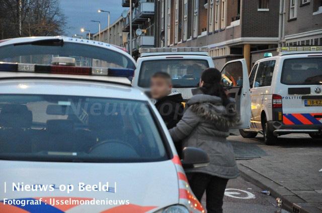 AT-inval en arrestaties bij Moskee Oranjeboomstraat Rotterdam