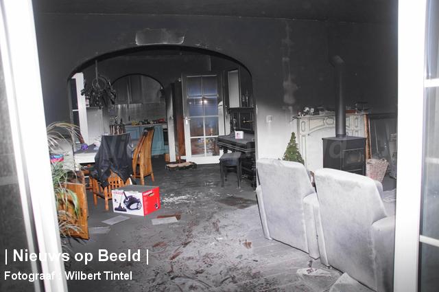 Woning onbewoonbaar verklaard na brand in kerstverlichting Hazerswoude-Dorp