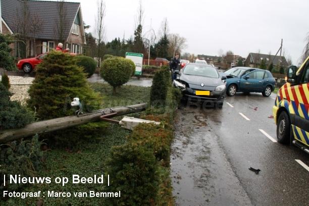 Kop-staart botsing Reeuwijk