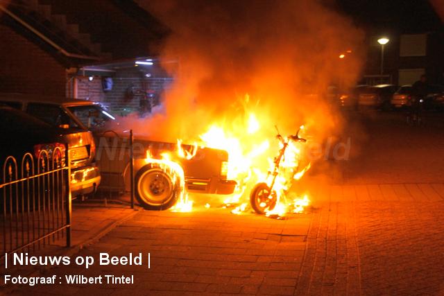 Mogelijk brandstichting na voertuigbrand Christinastraat Benthuizen