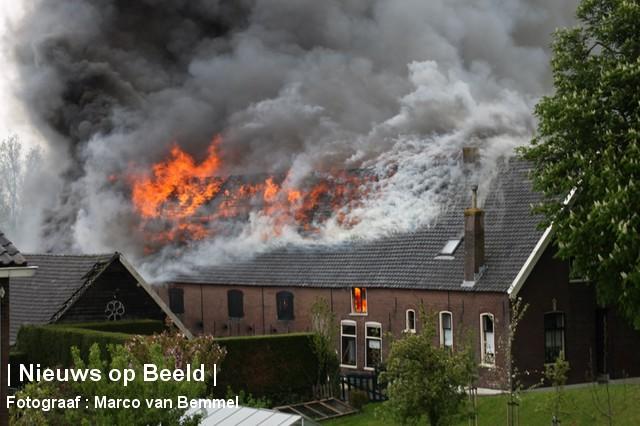 Grote brand in een schuur Opperduit Lekkerkerk