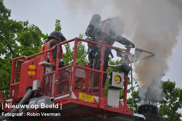 Veel rookontwikkeling bij schoorsteenbrand Rijksstraatweg Hellevoetsluis