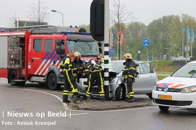 Autobrand blijkt ongeval Afrit A13 Delft
