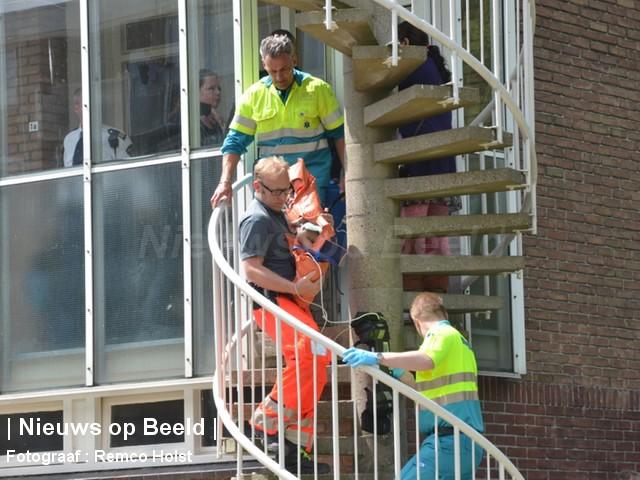 Peuter (2) ernstig gewond na val uit raam Eikenlaan Spijkenisse