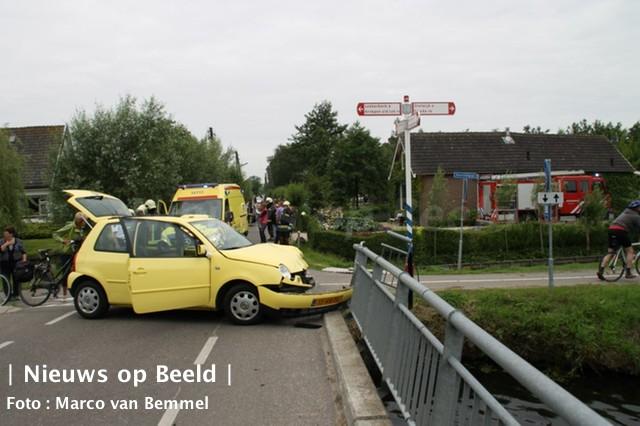 Jonge bestuurster klapt op brugrailing na onwelwording Zuidbroek Bergambacht
