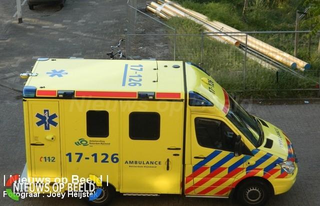 Zwaargewond na inhaalmanouvre Kraakweg Vierpolders