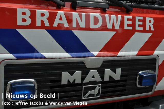 Man gewond na brand op plezierjacht Middenkous Rotterdam-Delfshaven
