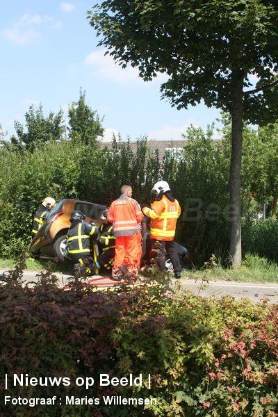 Man (85) overleden na frontale botsing Groeneweg Oud-Beijerland