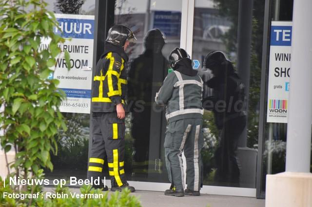 Gaslek ontdekt na vreemde lucht in leegstaand winkelpand Constantstraat Spijkenisse