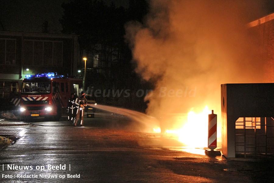 Felle autobrand Bakkershaven Schiedam