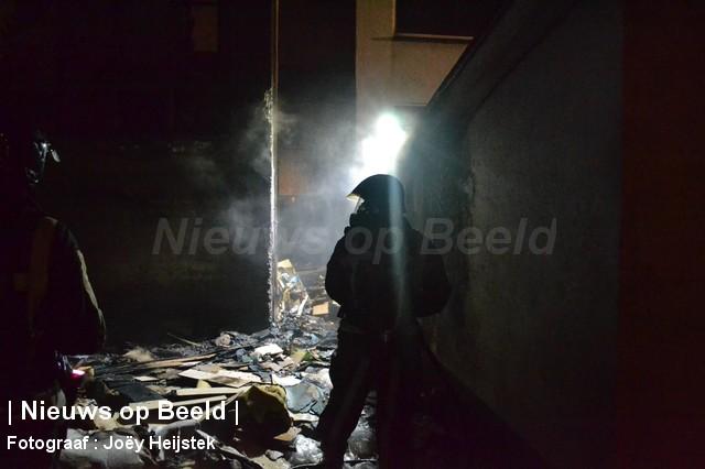 Grimmige sfeer na fikse brand in woning door mogelijke brandstichting Groene Kruisstraat Rockanje