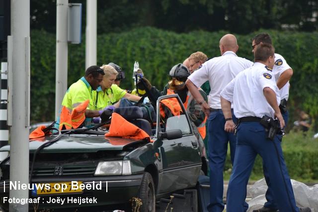 24-08-13-Hoofdweg-Capelle-Aanrijding-Beknelling06.jpg