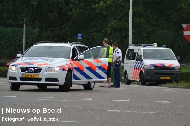 24-08-13-Hoofdweg-Capelle-Aanrijding-Beknelling11.jpg