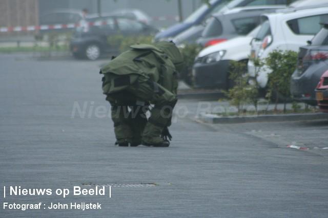 25-08-13-Onacklaan-Capelle-Explosief-foto01.jpg