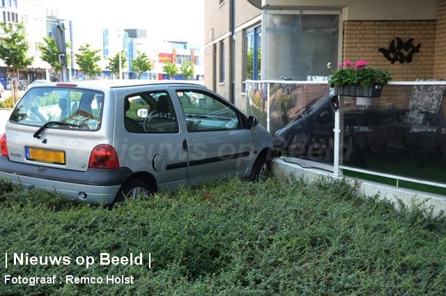 28-08-13-Gorsstraat-Spijkenisse-Balkon-Aanrijding3.jpg