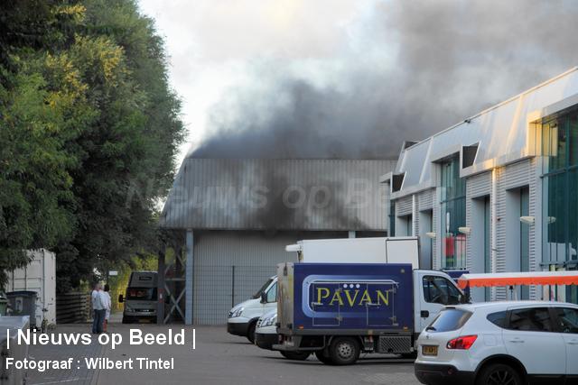 foto-wilbert-tintel-zeergrotebrand-achthovenerweg-leiderdorp-19-08-13-01.jpg
