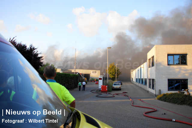 foto-wilbert-tintel-zeergrotebrand-achthovenerweg-leiderdorp-19-08-13-02.jpg