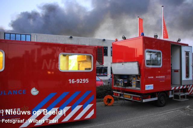 foto-wilbert-tintel-zeergrotebrand-achthovenerweg-leiderdorp-19-08-13-07.jpg