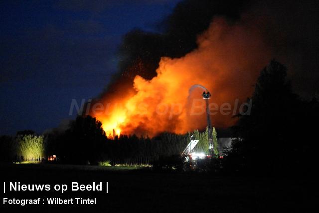 foto-wilbert-tintel-zeergrotebrand-achthovenerweg-leiderdorp-19-08-13-10.jpg