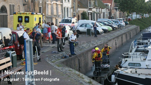 Vrouw gewond na val in haven Scharloo Brielle