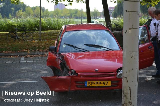 08-09-13-Prinsenlaan-Rotterdam-Aanrijding-Eenzijdig2.jpg