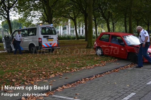 08-09-13-Prinsenlaan-Rotterdam-Aanrijding-Eenzijdig3.jpg