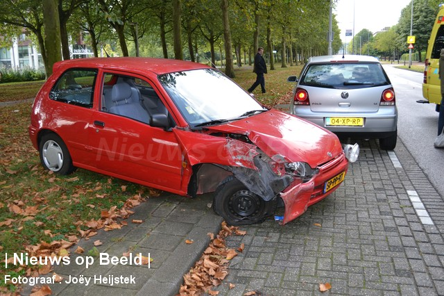 Automobiliste gewond na frontale botsing lantaarnpaal for Kruidvat alexandrium