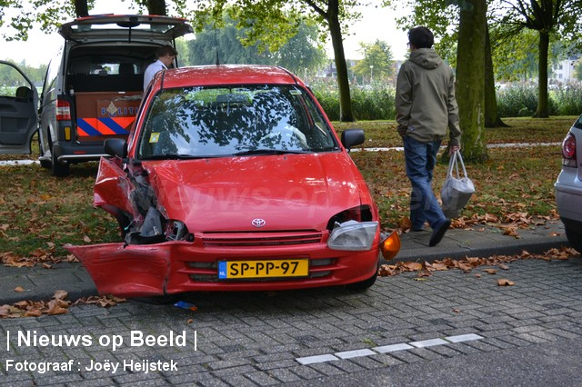 08-09-13-Prinsenlaan-Rotterdam-Aanrijding-Eenzijdig5.jpg