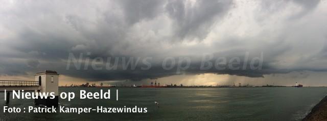 08-09-13-wateroverlast-maassluis-1.jpg