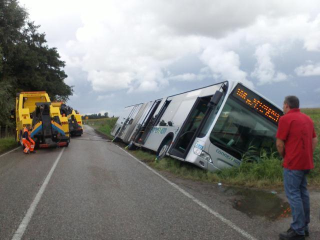 10-09-13-Ravenseweg-hellevoet-ongeval.jpg