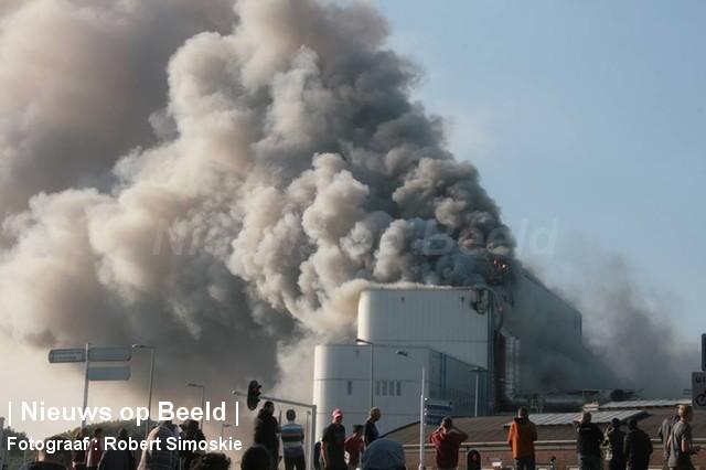 30-09-13-Brielselaan-Rotterdam-Grotebrand101.jpg