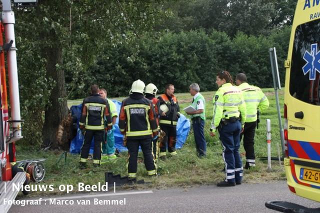 Automobilist (63) verongelukt op N475 Zijdeweg Ouderkerk aan den Ijssel
