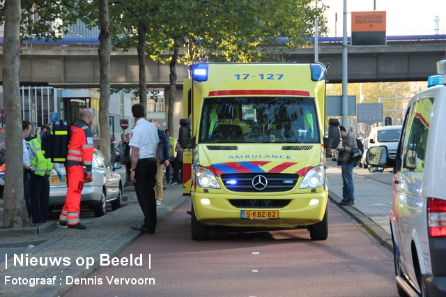 01-10-13-Zuidplein-Rotterdam-AANrijding5.jpg