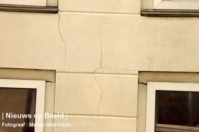 04-10-13-dak-ingestort-vlaardingen-BorderMaker-03.jpg