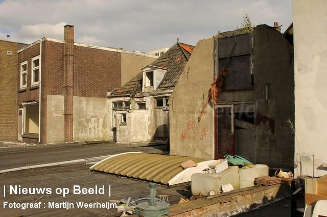 04-10-13-dak-ingestort-vlaardingen-BorderMaker-05.jpg