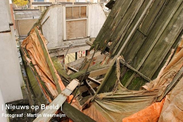04-10-13-dak-ingestort-vlaardingen-BorderMaker-07.jpg