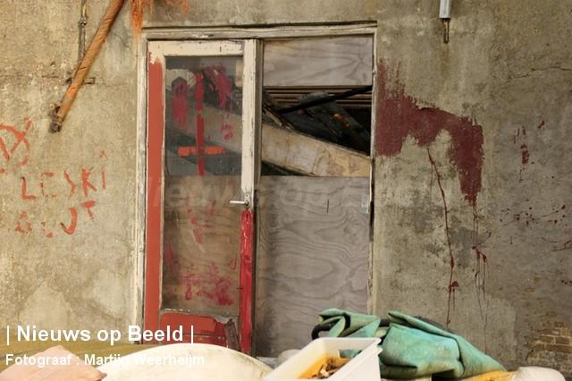 04-10-13-dak-ingestort-vlaardingen-BorderMaker-08.jpg