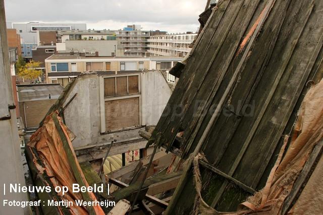 04-10-13-dak-ingestort-vlaardingen-BorderMaker-09.jpg
