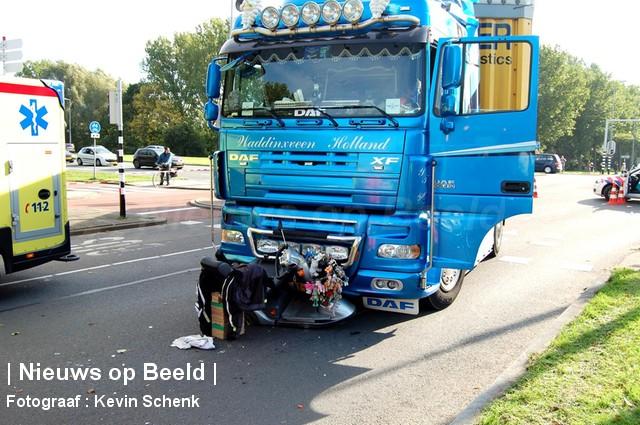 22-10-13-Aveling-Hoogvliet-ongeval3