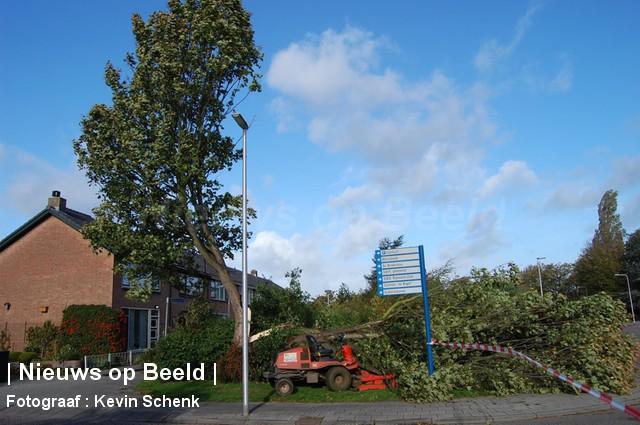 28-10-13-Irenestraat-Poortugaal-Stormschade4