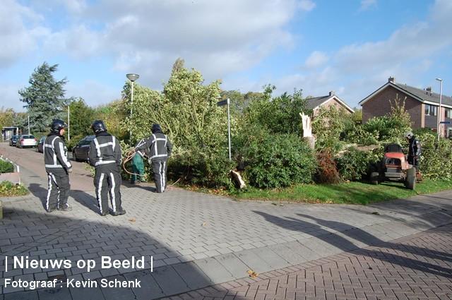 28-10-13-Irenestraat-Poortugaal-Stormschade6