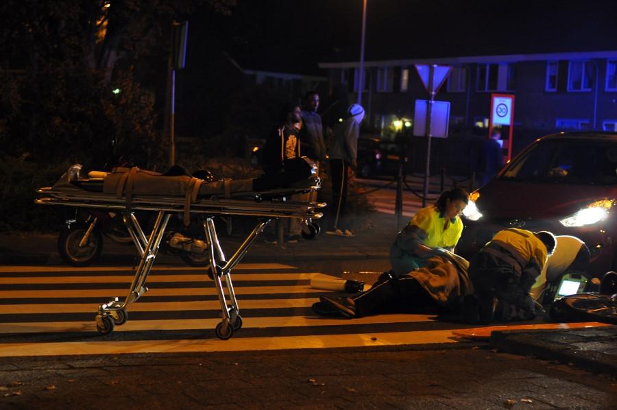 Fietser gewond na aanrijding met personenauto, Landmeter Spijkenisse