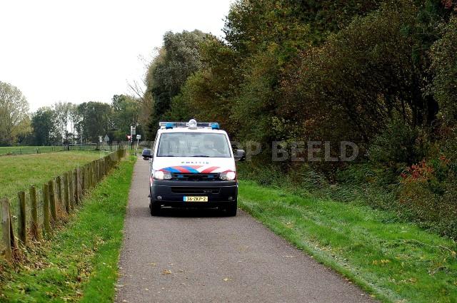 Politie houdt grote zoekactie naar vermiste verwarde man Rhoonse Grienden Rhoon