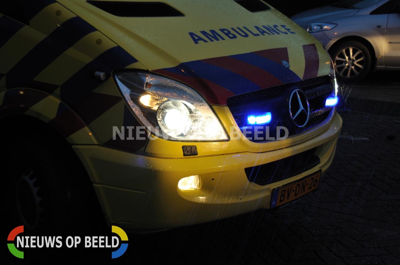 Gezin raakt gewond nadat bestuurder controle over wagen verliest en over de kop slaat A58 bij Oirschot