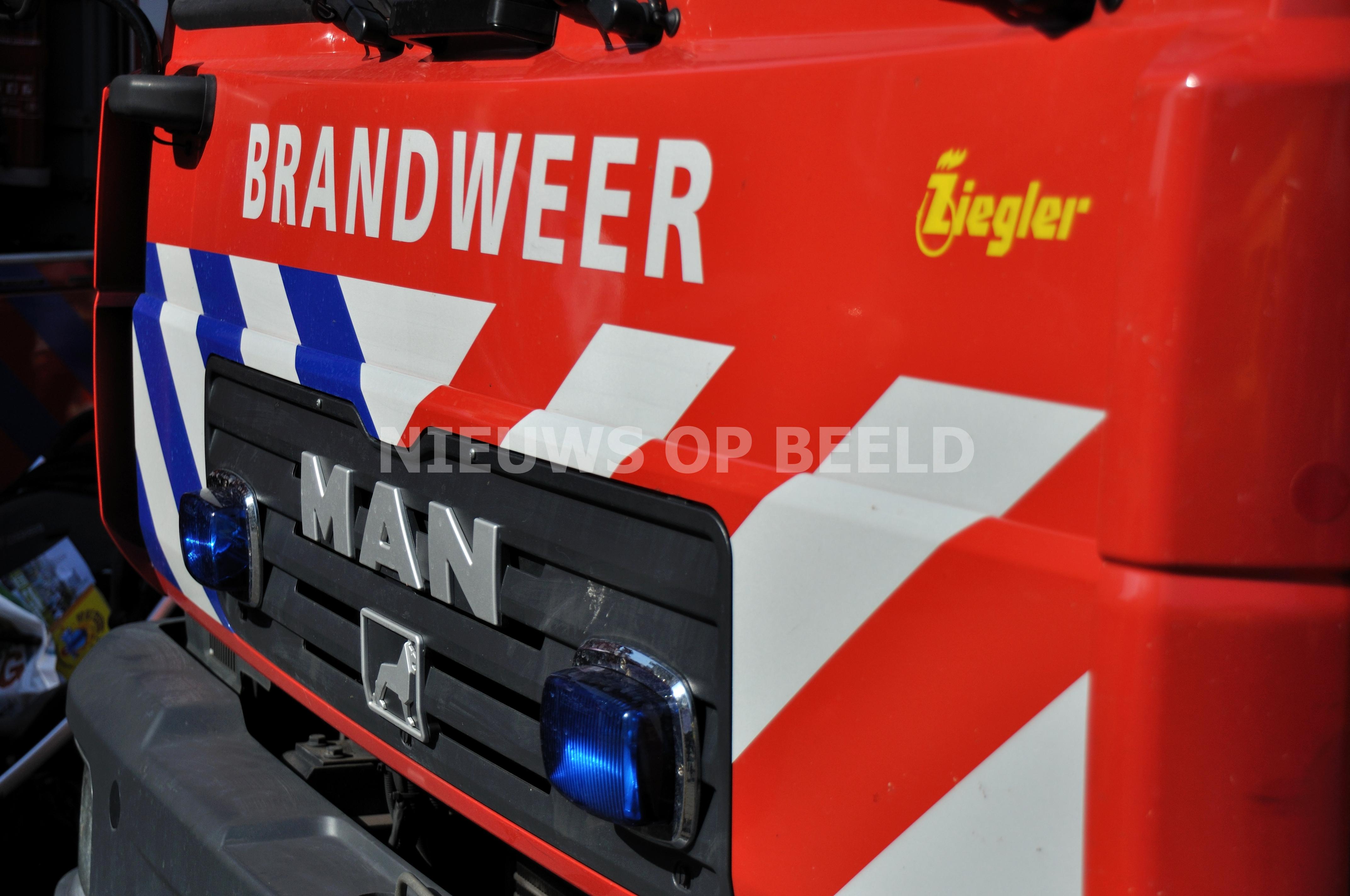 Man zwaargewond door brand in woning Amelandseplein Rotterdam