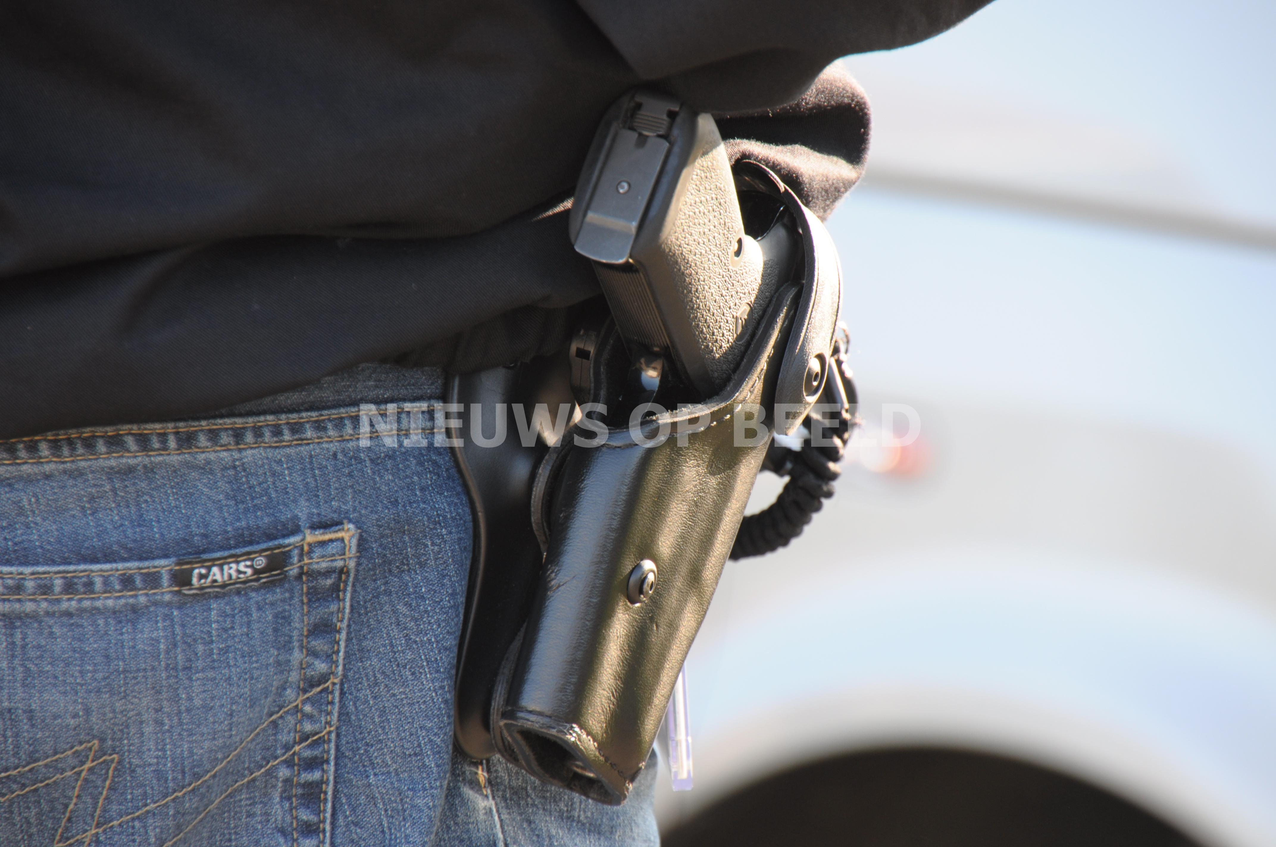 VVD vindt dat agenten dienstwapen ook in privétijd moeten kunnen dragen