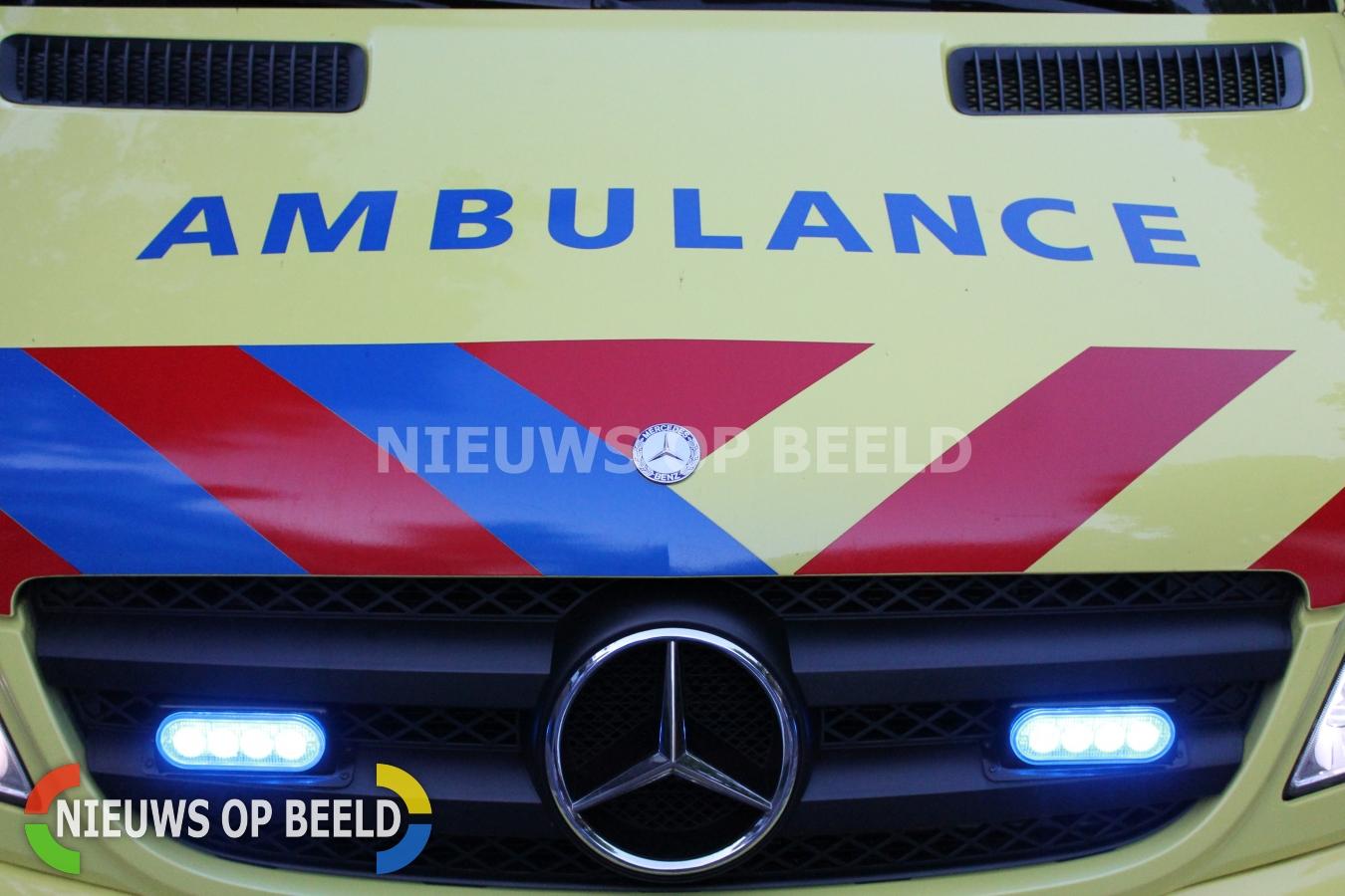 Vader en zoon zwaargewond door vuurwerk Golda Meirstraat Spijkenisse