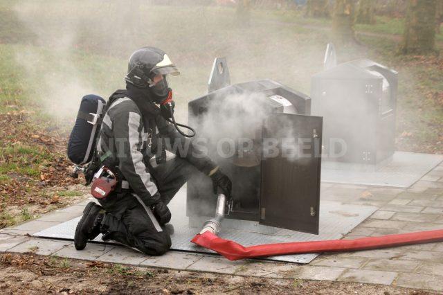 Brand in ondergrondse container Prins Bernhardlaan Vlaardingen. Foto ingezonden MW