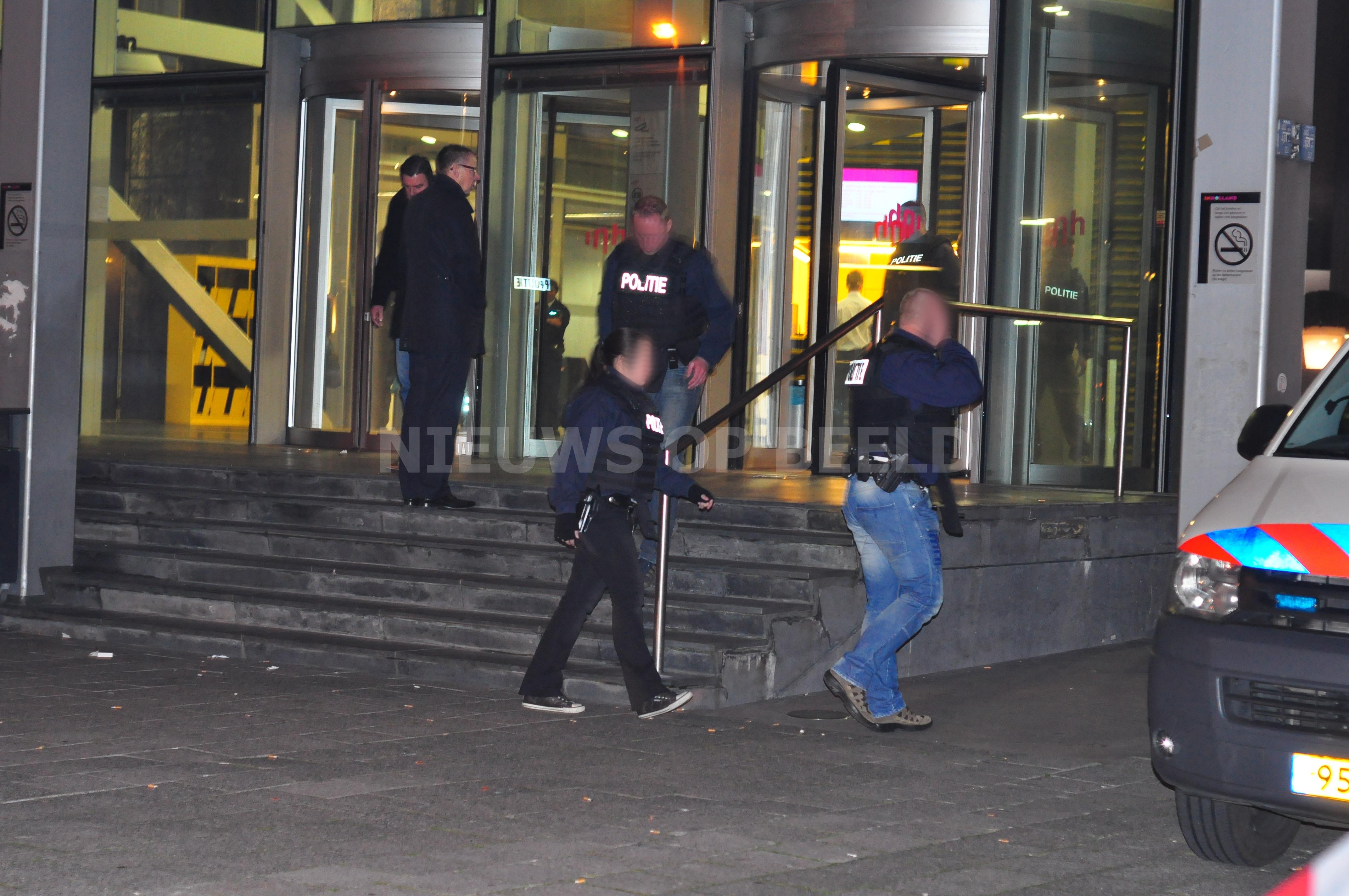 Man met vuurwapen hogeschool In Holland blijkt loze melding Posthumalaan Rotterdam